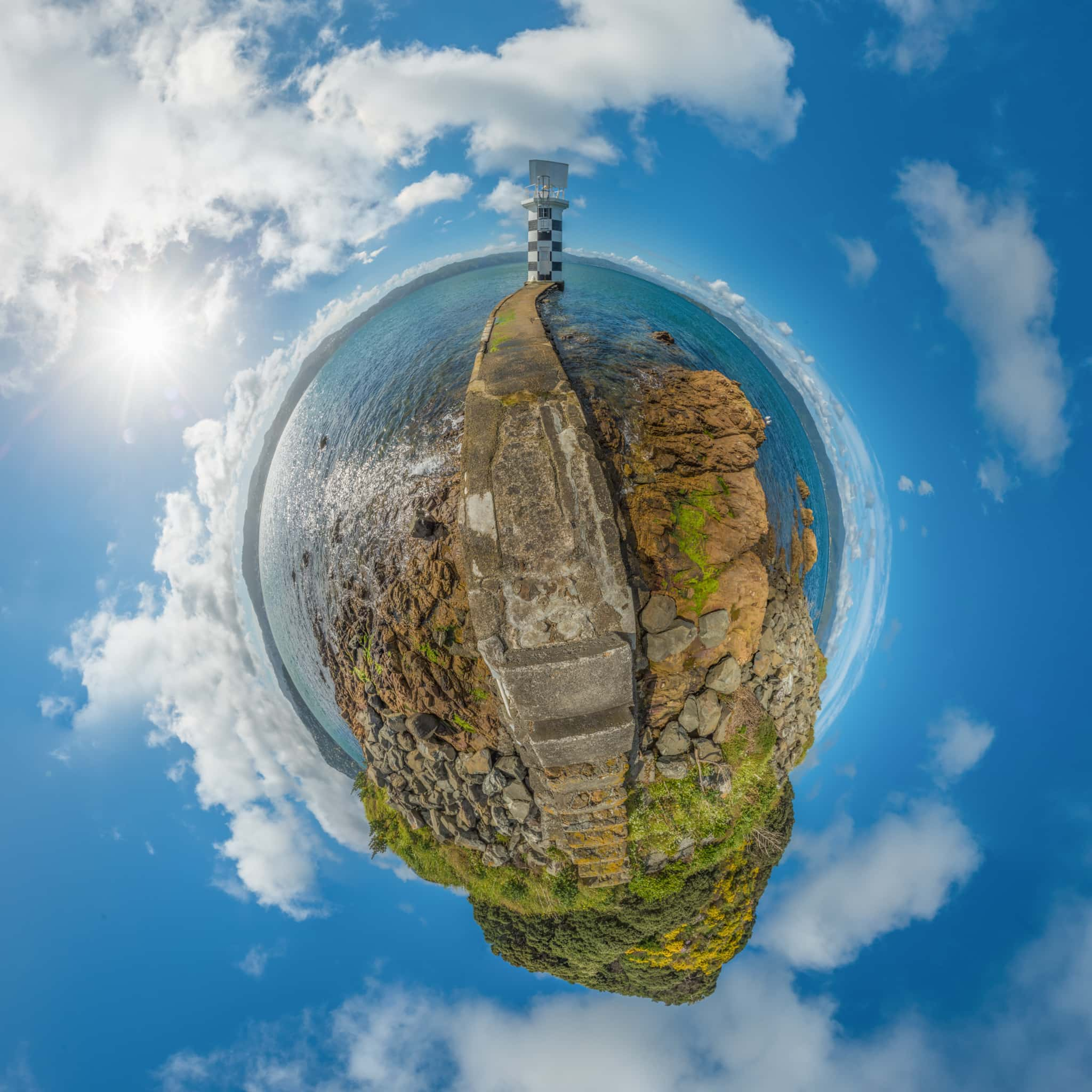 Point Halswell Lighthouse - Planet